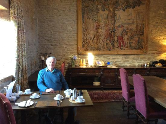 Downton on the Rock, UK: Breakfast / Dining room.  Excellent food.