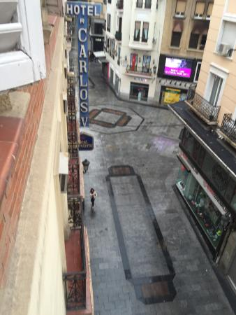 BEST WESTERN Carlos V: View from 4th floor window to busy and noisy street below.