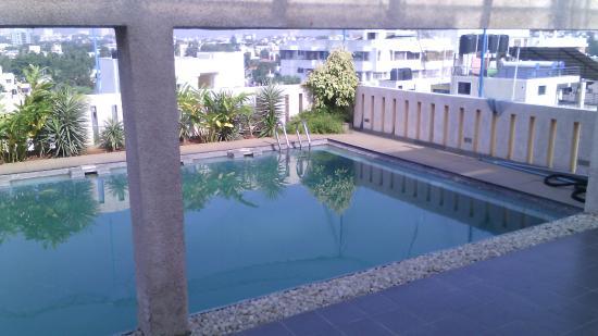 Classic Inn: pool 2