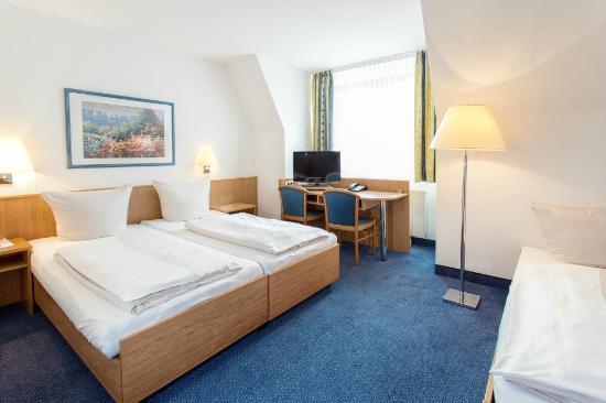 Hotel Aulmann: Dreibettzimmer