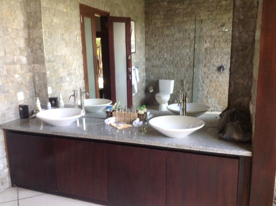 Villa Bugis: Bathroom