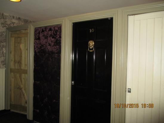 Tattershall Park Country Pub and Dining: Ladies toilets or a visit to no 10?!!