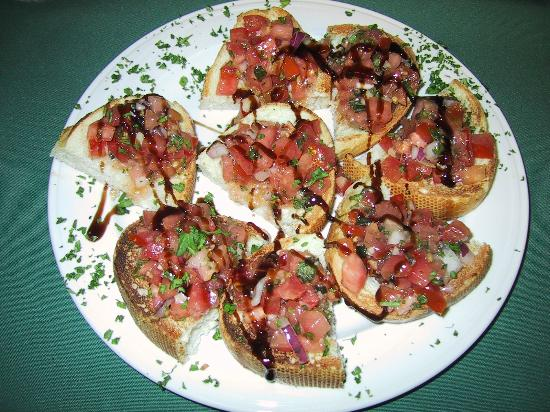 Windermere, Canada: Fresh made Bruschetta with Balsamic and Olive Oil
