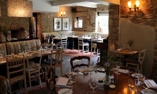 The Plough at Kelmscott: Restaurant