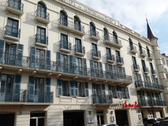 Mona Lisa Néris : façade de l hotel MONA LISA