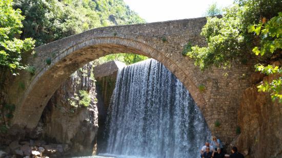Trikala, Hellas: Palaiokarya's stone bridge
