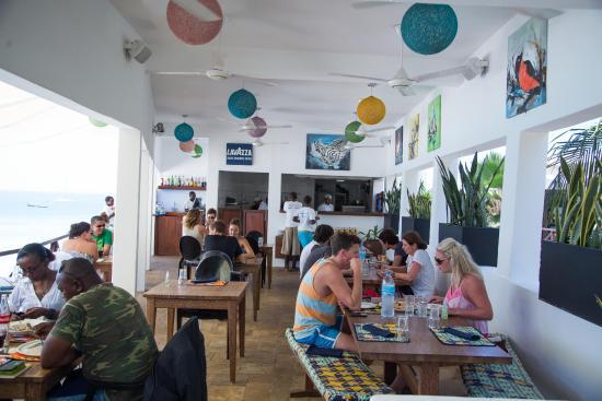 Cinnamon Restaurant: Cinnamon is a vibrant,1st floor, open air restaurant with Ocean views