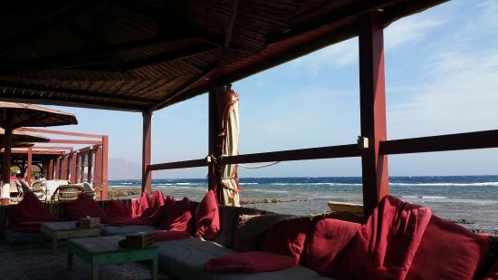 The Mirage Village Hotel: Tente bédouine extérieure