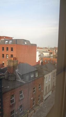 Grafton Capital Hotel: Vista desde la ventana
