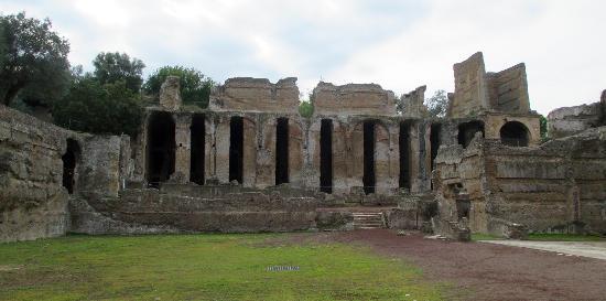 House of the praetorian guards hadrian 39 s villa picture - Bagni di tivoli ...
