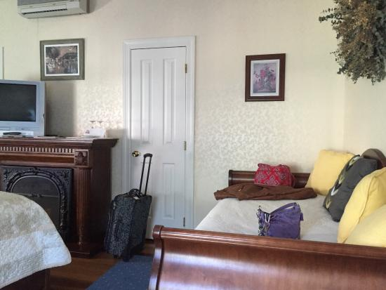 Beauclaire's Bed and Breakfast: photo1.jpg