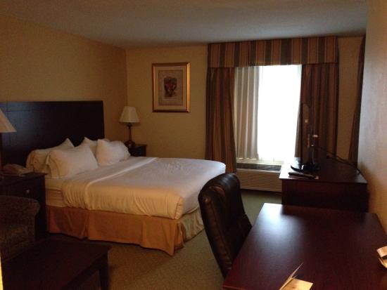 Holiday Inn Express and Suites Scottsburg: photo0.jpg