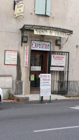 Clermont l'Herault, Frankreich: The little museum across the road, with an art exhibition