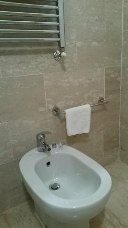 BBHotels Residenza Bocconi : Bagno bello