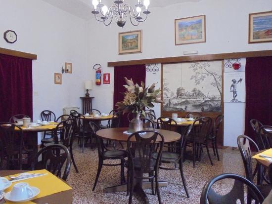 Ronta, İtalya: sala colazione