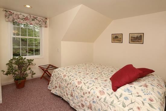 Warren, Вермонт: 5 Bedroom Queen Room 3