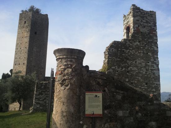 Rocca nuova entrata picture of serravalle pistoiese for Serravalle italy