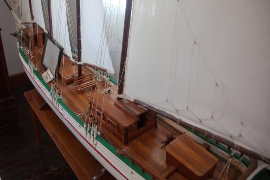 Albert Lowe Museum: Ship model at museum.