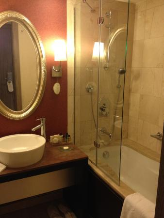 Agaoglu My City Hotel: Bathroom