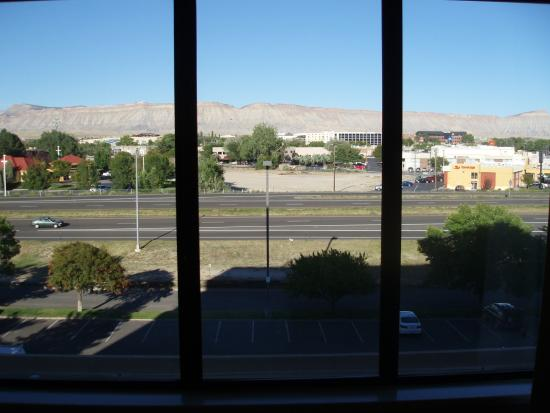 DoubleTree by Hilton Grand Junction: View from 504