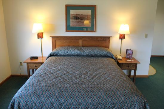 Farmstead Inn: Classic Room with 1 Queen Bed