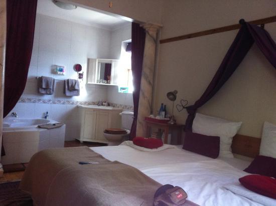 GUBAS DE HOEK meet eat sleep: Honeymoonzimmer mit WC