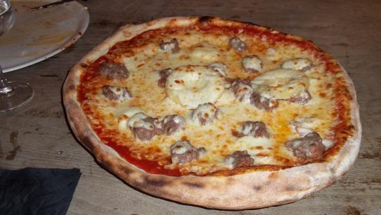pizza bild fr n pizzeria le cinquecento rennes tripadvisor. Black Bedroom Furniture Sets. Home Design Ideas