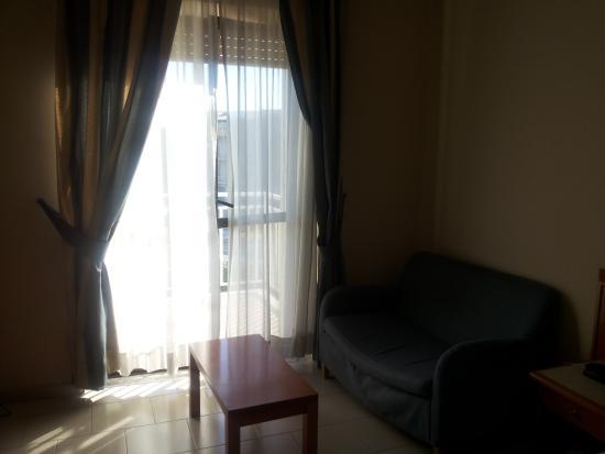 Hotel Europa Arzano : Divanetto camera