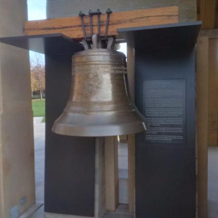 West Kelowna, Canada: Miss-sized bell that did not make the bell tower
