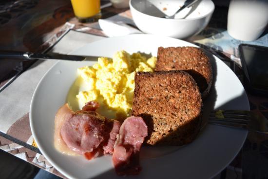 เบโนนี, แอฟริกาใต้: Café da manhã!! tem mais opções.. tirei a foto do meu prato!