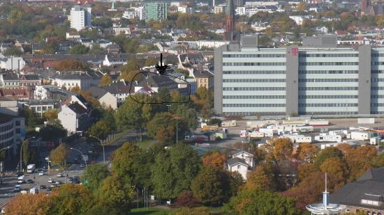 Commodore: Blick vom Turm des Michels Richtung Hotel, neben Telekom Bau