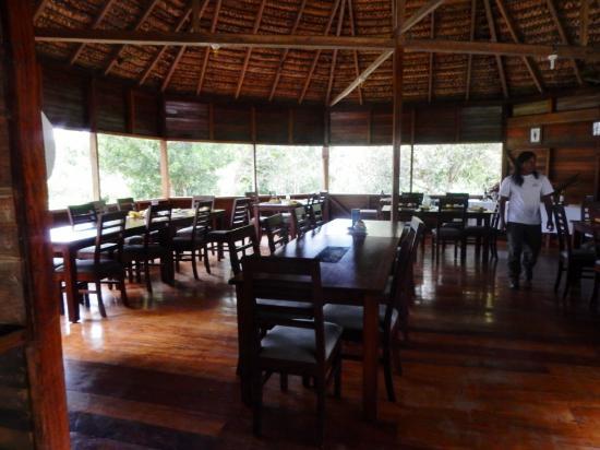 restaurant area at Sani Lodge