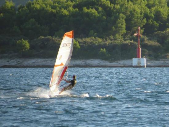 Sveti Filip i Jakov, Κροατία: Serious wsurf