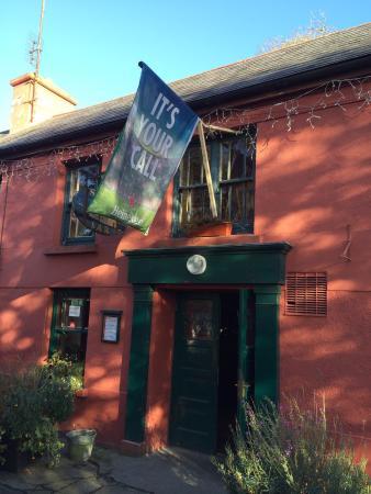 Sibin Pub and Restaurant: Entrance