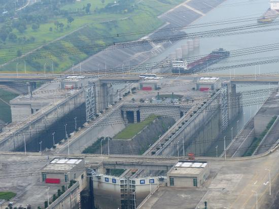 three gorges dam project A dream for generations to come true the idea of building a gigantic dam in the  three gorges area to harness the yangtze river is not new more than.