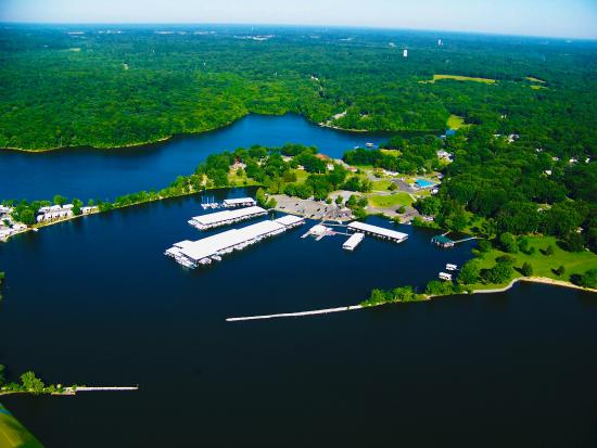 Moors Resort & Marina on Kentucky Lake: Our resort and harbor on The South's Great Lake!