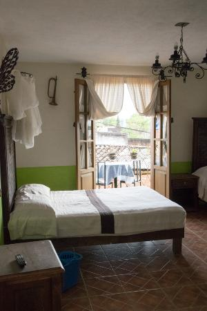 Hotel Posada La Escondida : Room #7 with 3 double beds and 1 set of bunk beds - good view