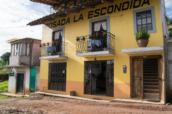 Hotel Posada La Escondida : Front of hotel
