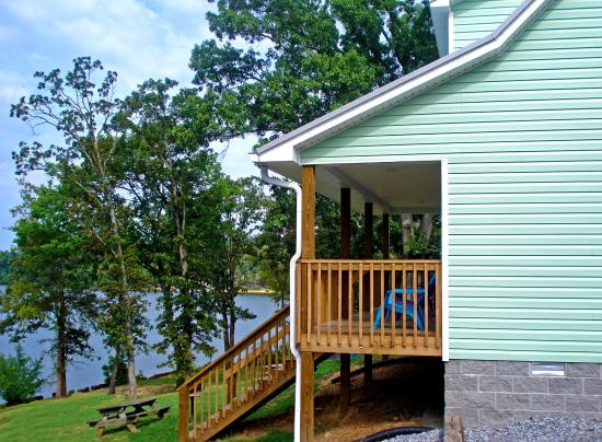 Moors Resort & Marina on Kentucky Lake: Our lakefront cottages have a wonderful view of Buckhorn Bay!