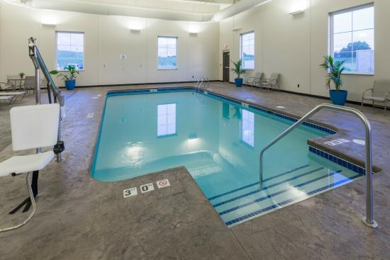 Bellevue, IA: Indoor Pool and Spa
