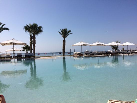 Piscina picture of hotel paracas a luxury collection for Luxury collection paracas