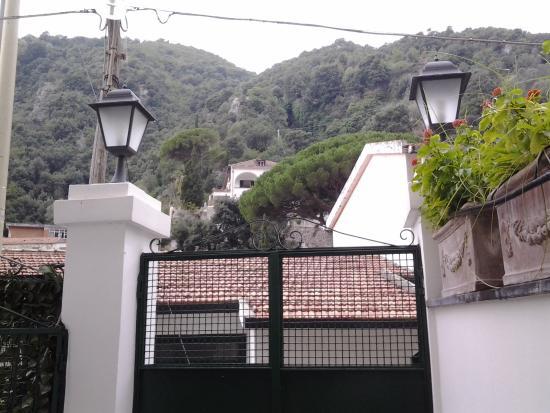 Villa Adriana Amalfi B&B: Portão de acesso.