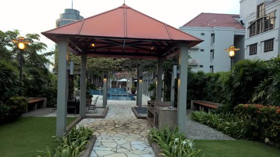 Village Residence Clarke Quay by Far East Hospitality : Garden