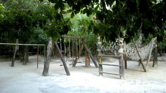 Parque Urbano Kabah : Un lugar para jugar y ejercitarse