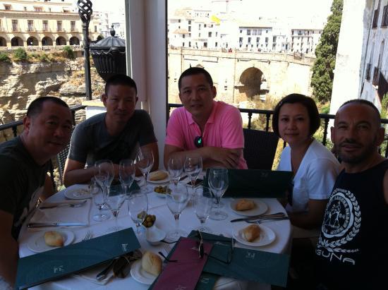 Albacara Restaurant: Con los amigos