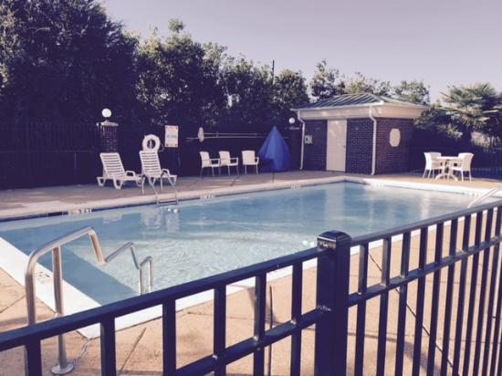 Baymont Inn & Suites Montgomery South: Pool
