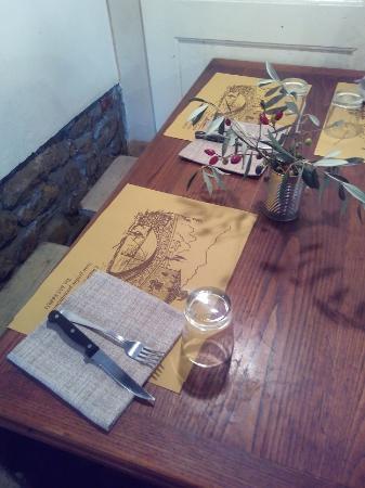 Vicchio, อิตาลี: tavolo