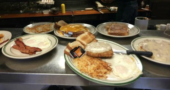 Webster, South Dakota: Breakfast anyone !!