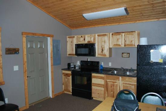 Webster, South Dakota: Cabin Kitchenette