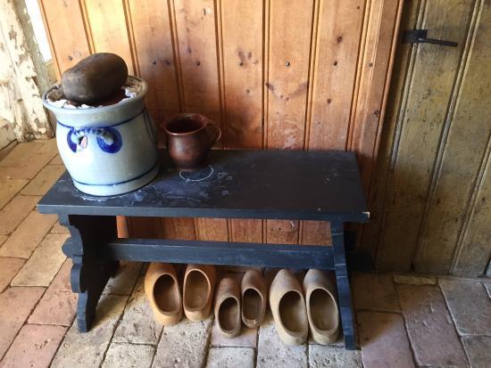 Frontier Culture Museum : Entryway of German farmhouse